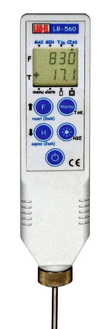 Portable thermometer with an LB-560A probe